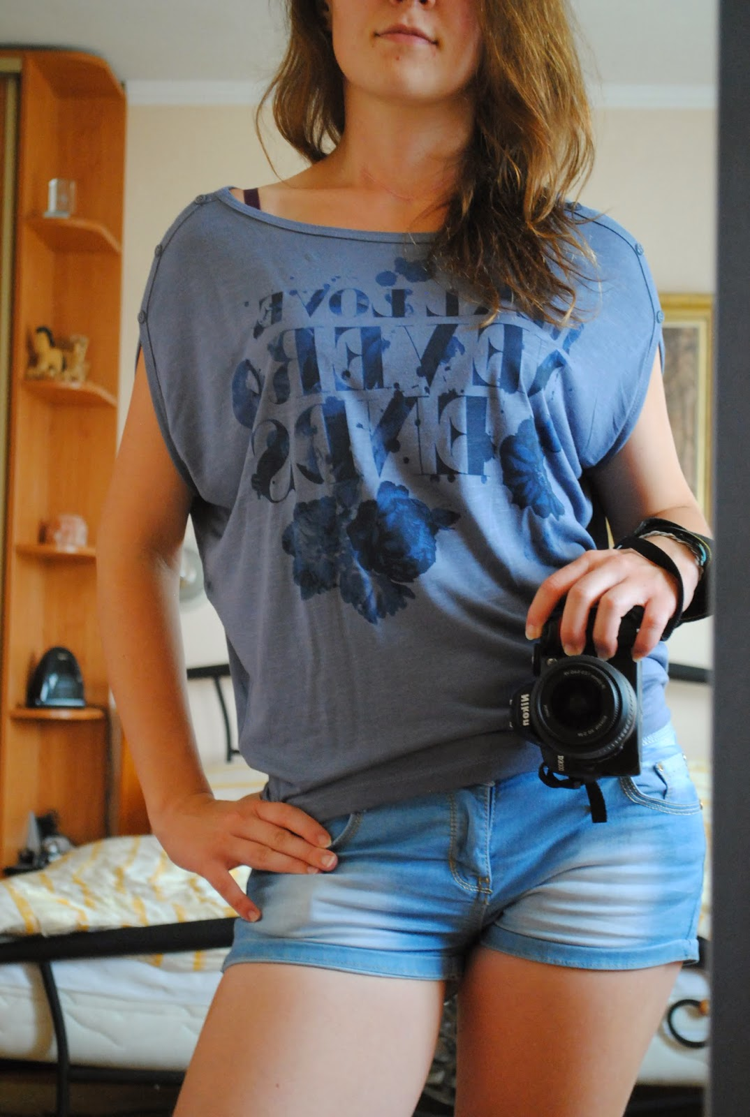 5x kraťasi 5x iné tričko ale vždy vo svojej koži