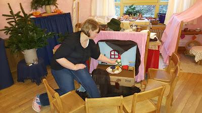 Koffer-Puppenspiel, Puppenspiel, Waldorfkindergarten, Monatsfeier, Jahreszeitentisch, Jahreszeitenfest, Zwergentheater, mobile Puppenbühne