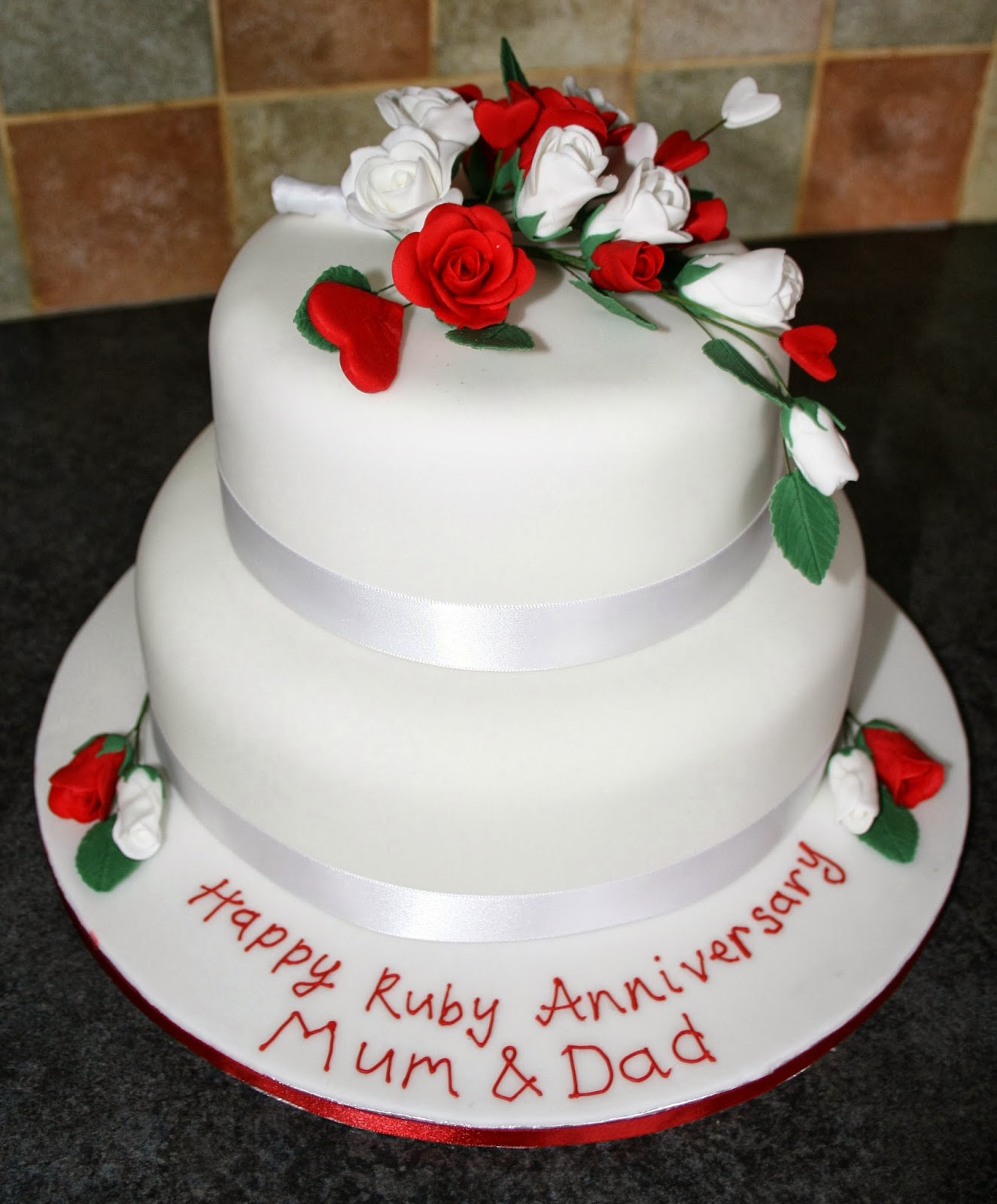 Tallulah\'s Bakery: Cake Time: Ruby Wedding Anniversaries