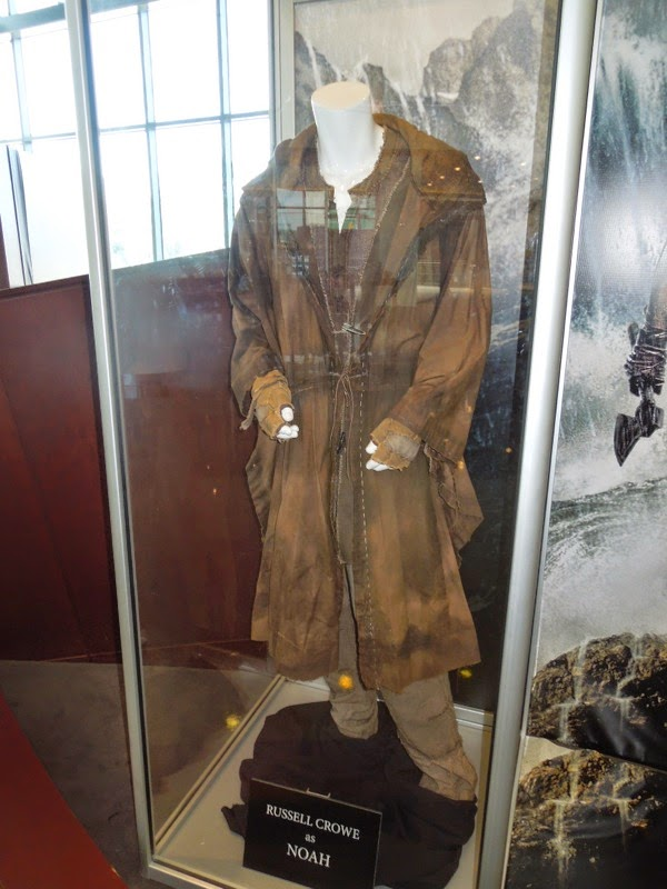 Russell Crowe Noah film costume