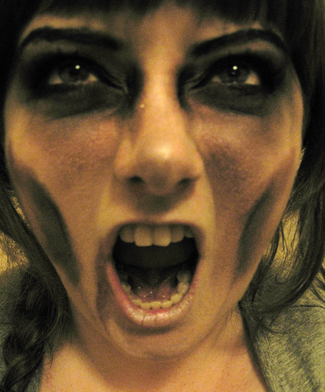 Halloween How To: Easy Zombie Make Up