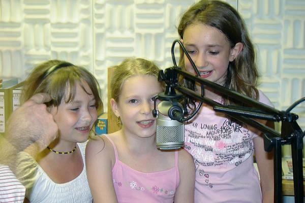 Viertklässler der OGS Pferdebach produzieren ihre erste Radiosendung