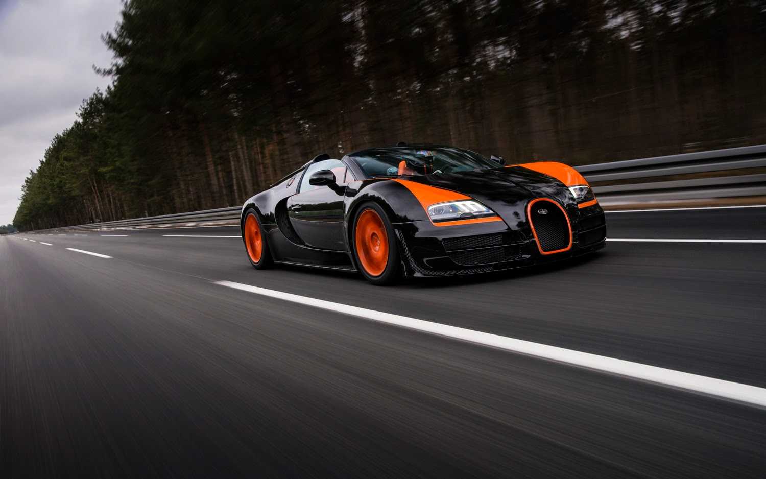 bugatti veyron 16 4 veyron grand sport super sport. Black Bedroom Furniture Sets. Home Design Ideas