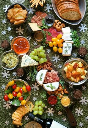 Tábua de queijos e frios para o inverno