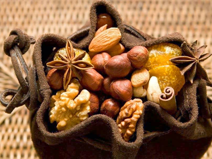 pista-mix-dry-fruits-wallpapers