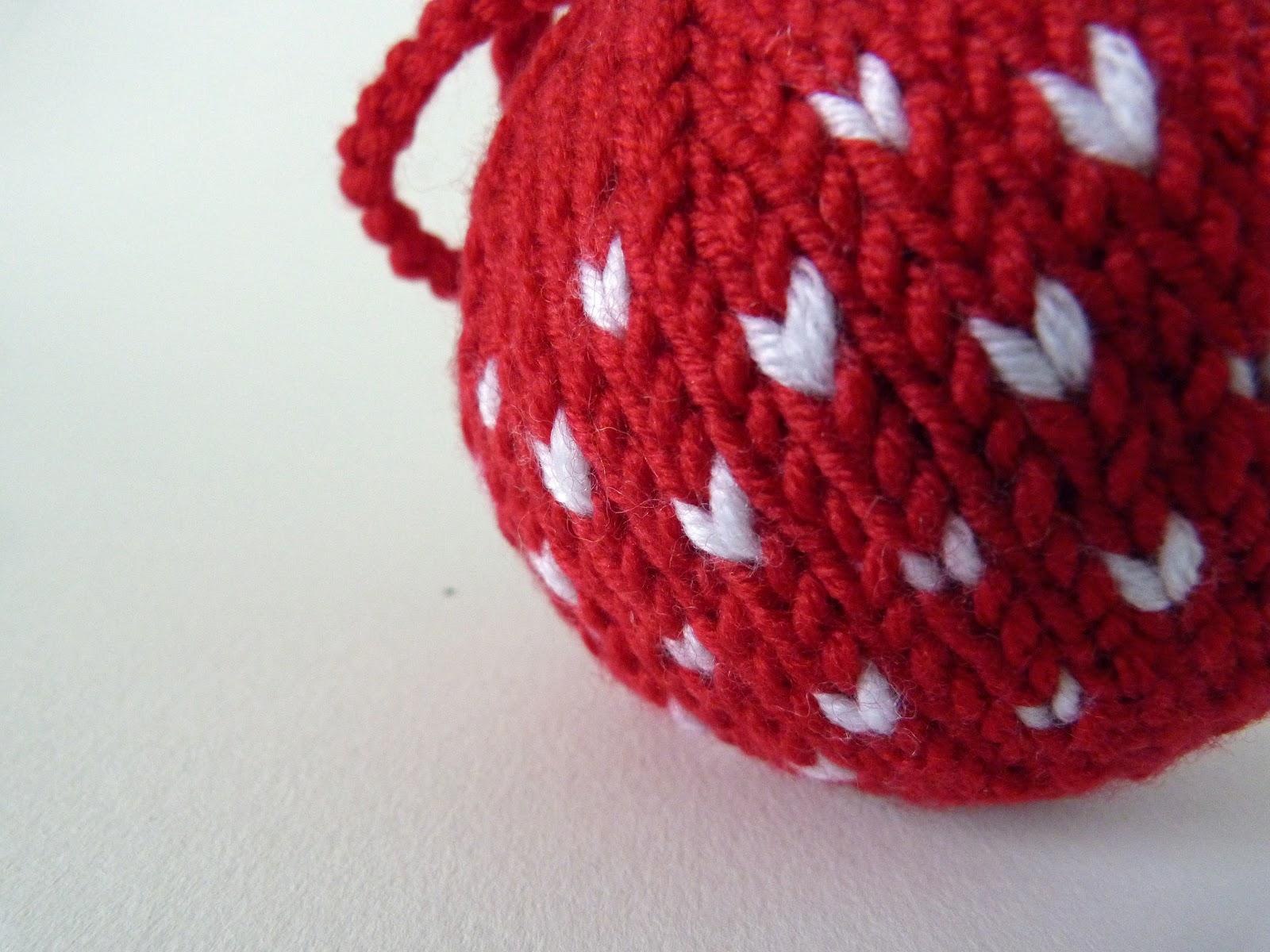 Handmade by Bunny Bosworth: Tutorial: Hand Knit Chevron Baubles