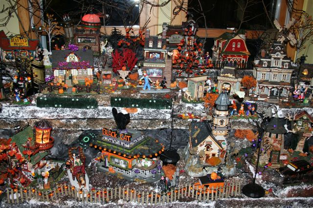 halloween village christis halloween display halloween pinterest halloween village halloween displays and halloween village display - Hallmark Halloween Decorations