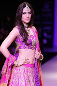 Kriti Sanon Latest Pictures at IIJW 2015-thumbnail-13