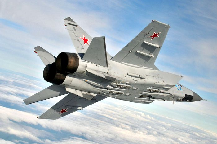 MiG-31 Foxhound Long-range Interceptor Fighter