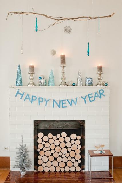 Chimenea de blanco y turquesa para Fin de Año