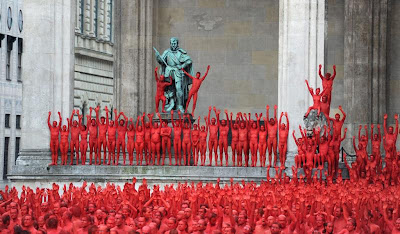 Tunick Naked Photo Shoot