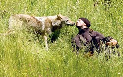 http://1.bp.blogspot.com/-N18MF2JnVaE/TZzkjRXRFwI/AAAAAAAANtc/YQntKU9HBu0/s400/wolf-with-monk.jpg