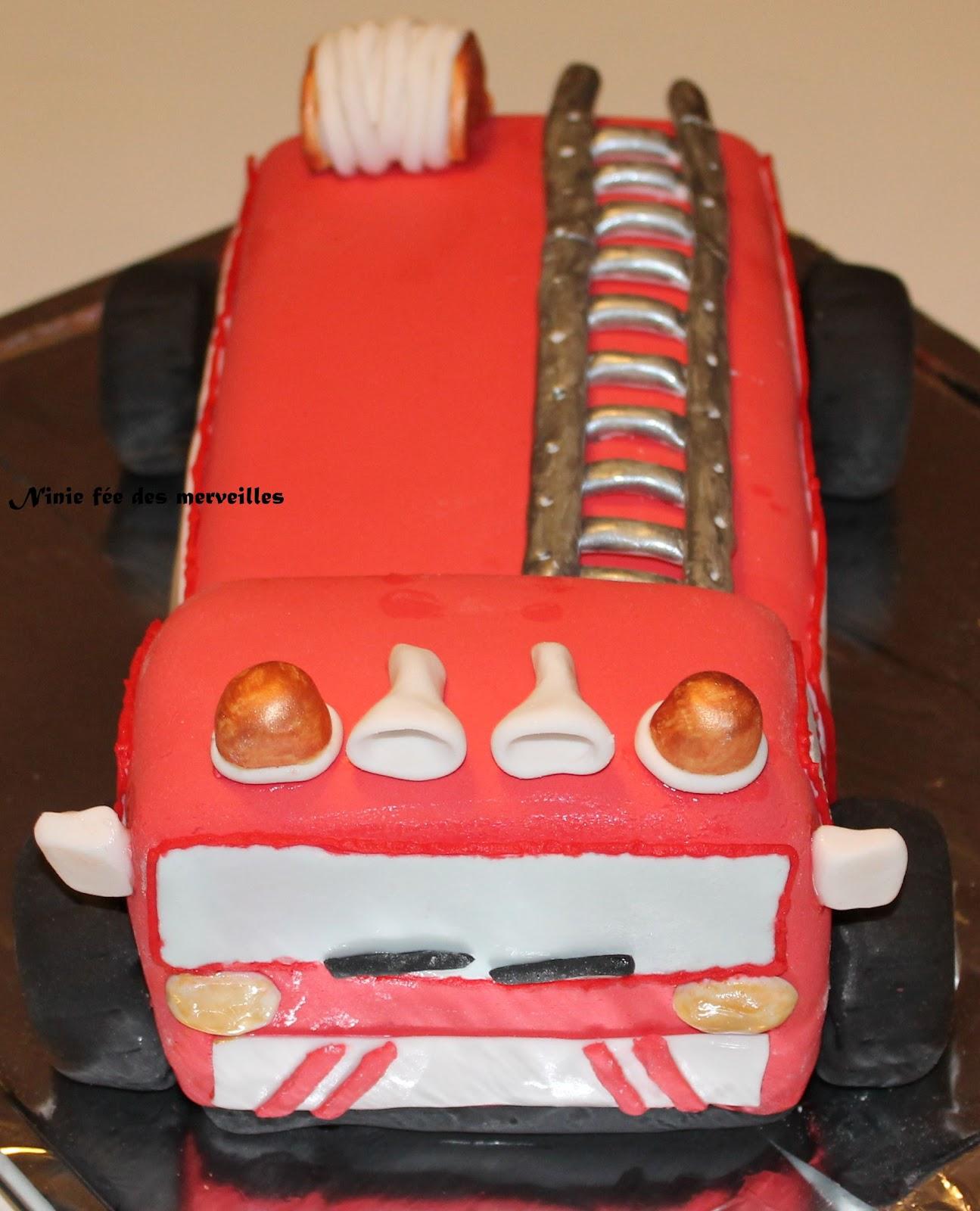 Gateau En Forme De Camion De Pompier