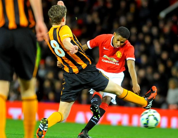 Rashford hits the crossbar against Hull in the Youth Cup
