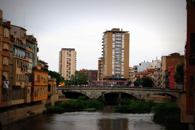 Pont de Pedra. Encants de Girona