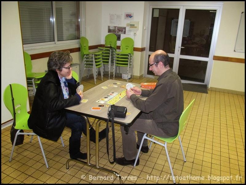Sobek - Jeu de cartes à combinaisons/familles