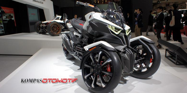 Honda Motorcycle Tricycle Bloody Goldwing