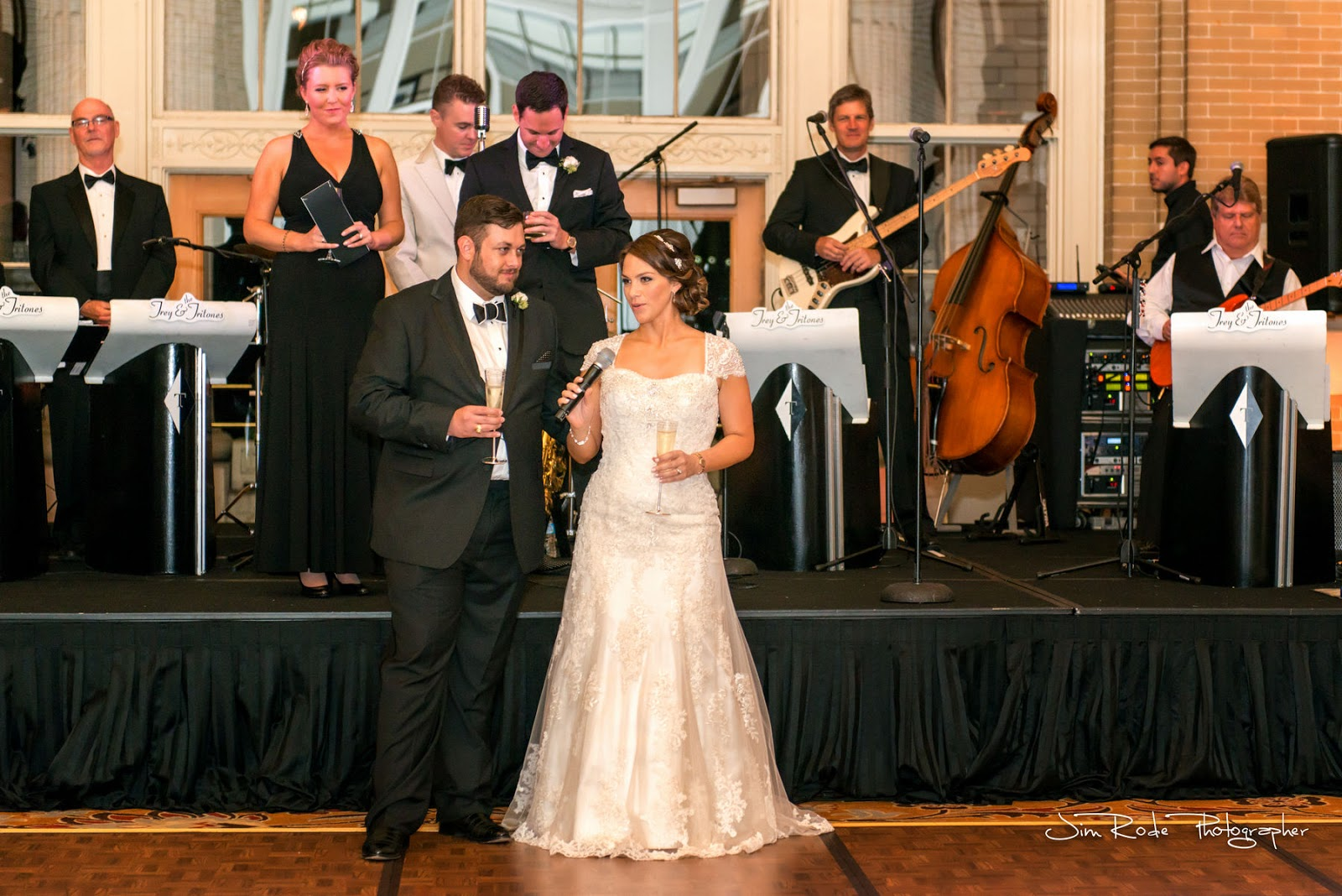 the wedding couple give thanks at thier Union Station reception
