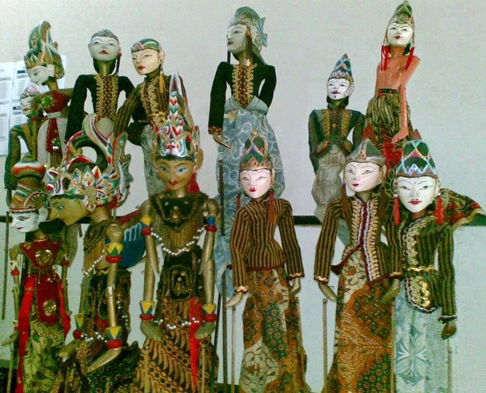 Kesenian Tradisional Suku Sasak Wayang Menak Lombok