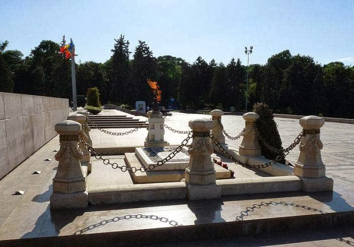 Tomb of the Unknown Soldier, Carol Park in Bucharest, Romania