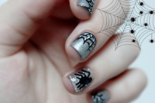 Halloween nails Araignées