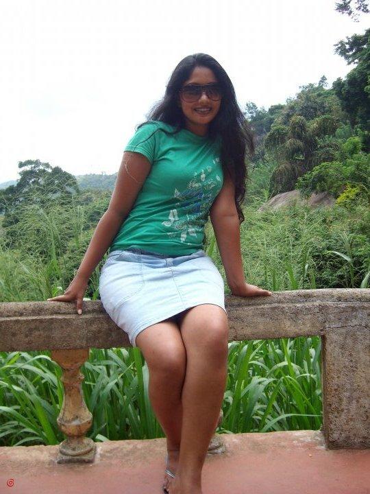 Thanuja Weerasooriya Nude Photos 81