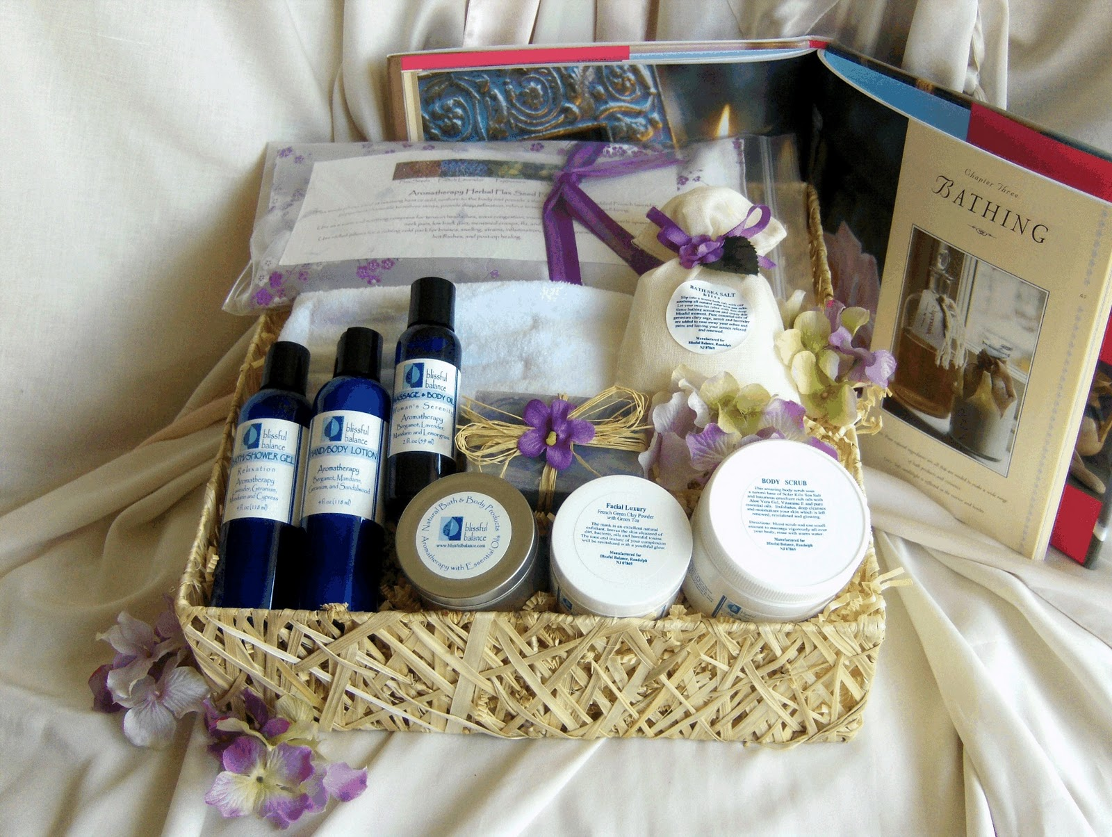 Canastas de regalo luxury gift baskets charm prestige for Luxury gift for women
