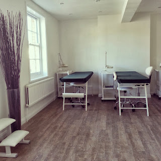 beauty-academy-training-room-2