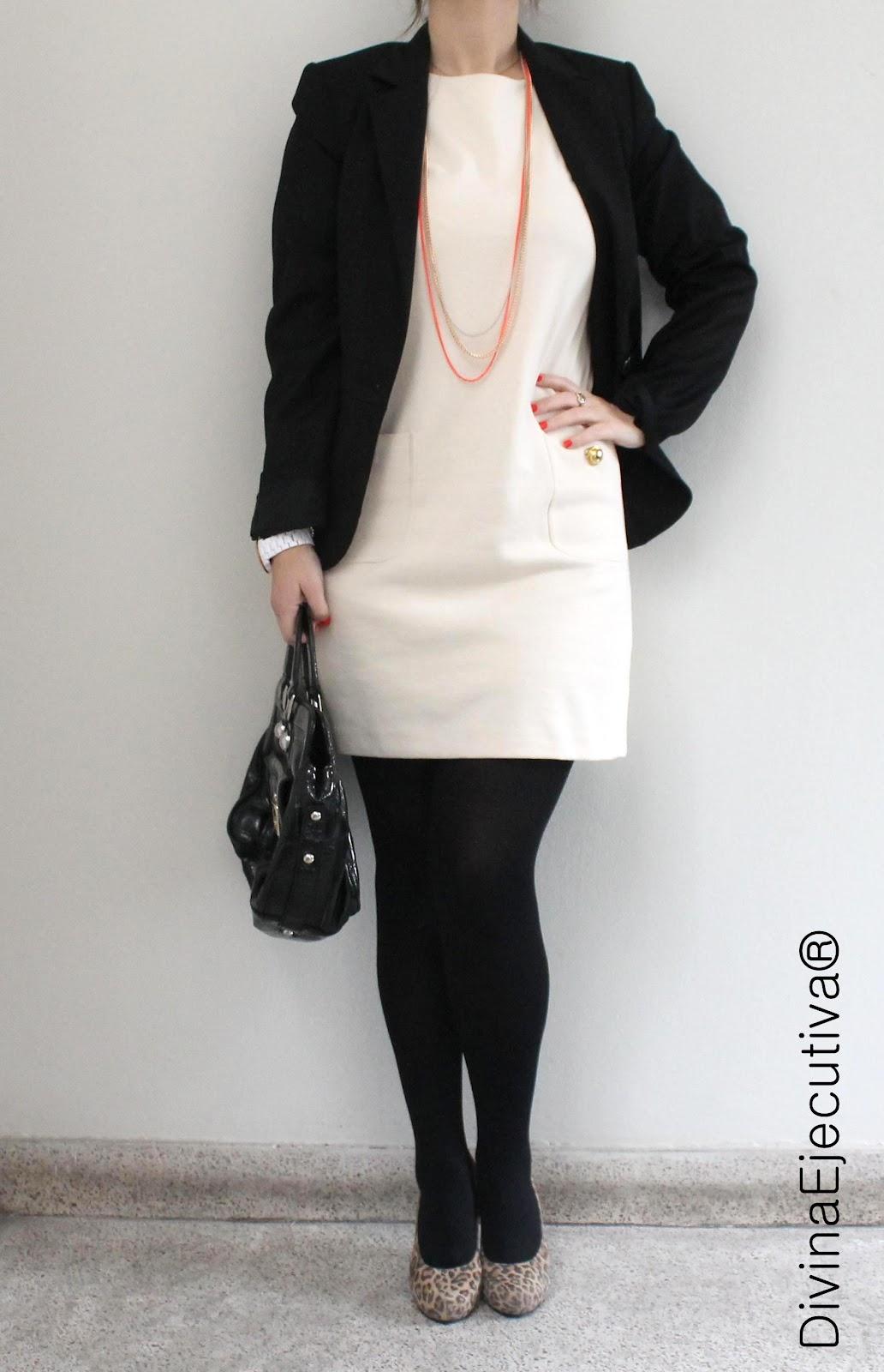 Vestidos color hueso con negro
