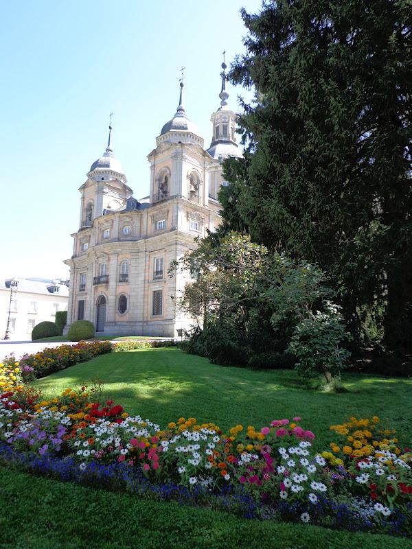 Palacio real y jardines de la granja de san ildefonso con for Jardines san ildefonso