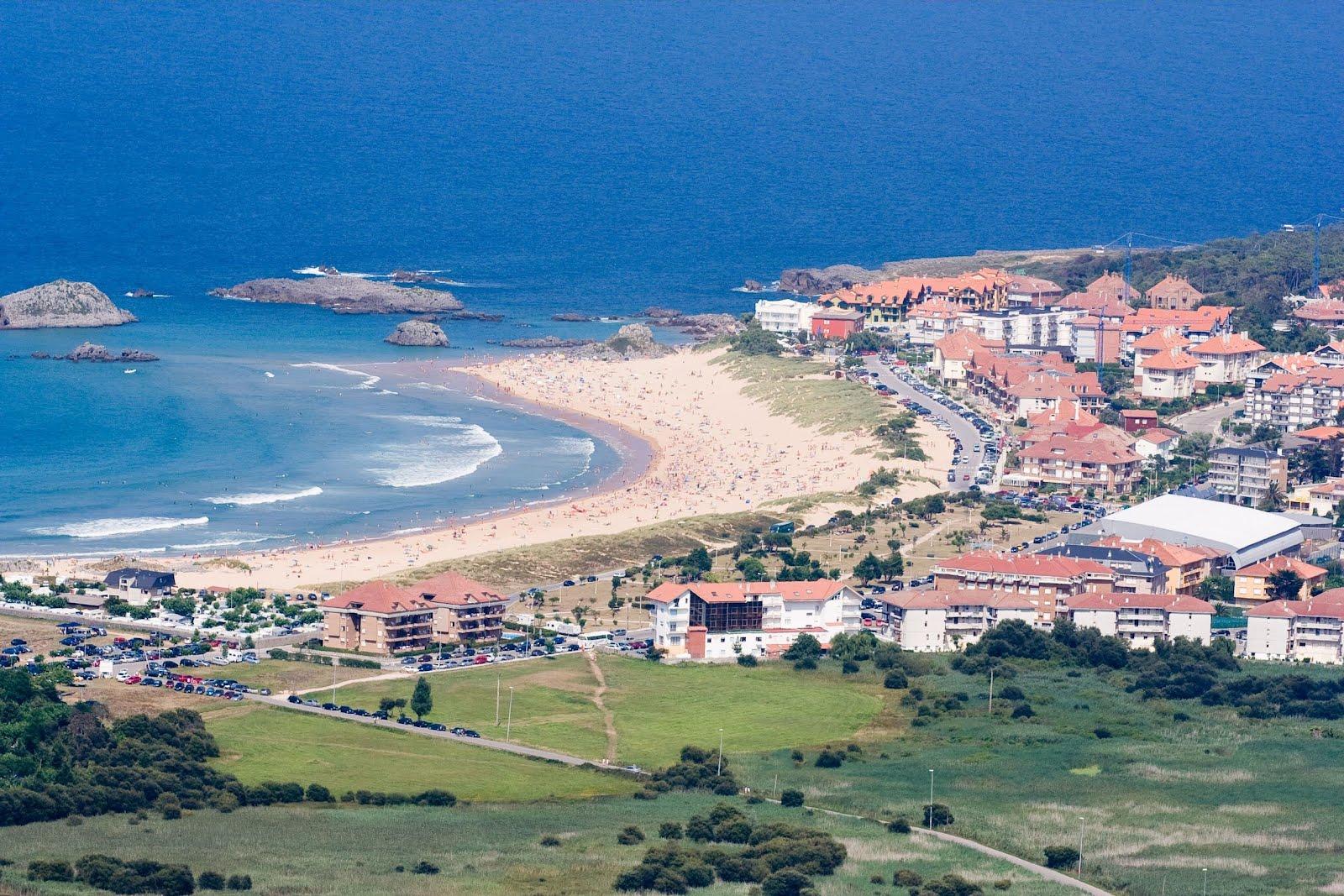 Idool ciudad junto a la costa en la isla cantabria espa a for Cantabria homes