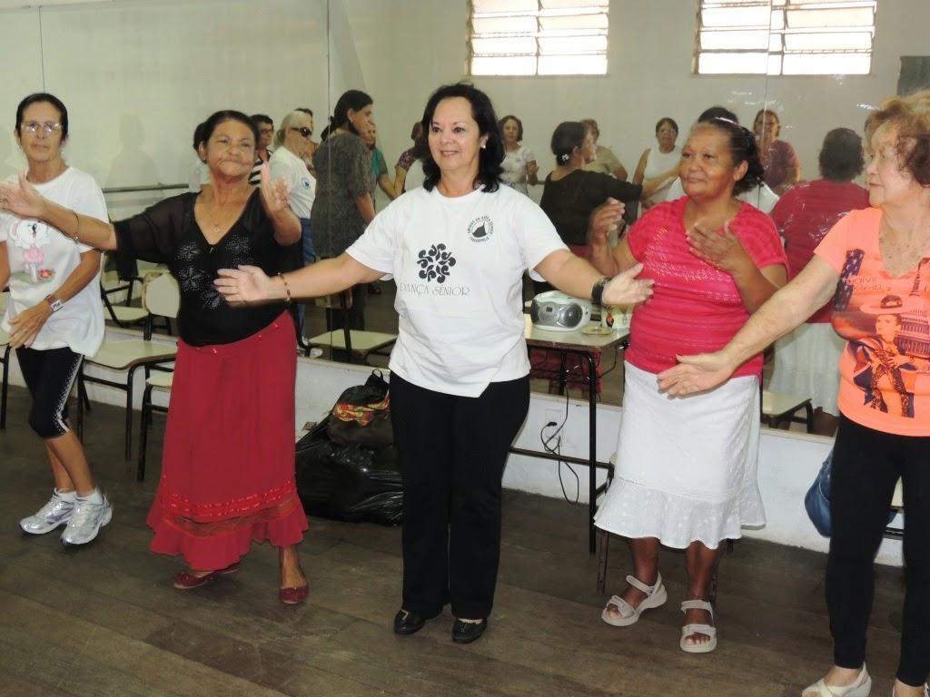 Dança sênior estimula a socialização e promove qualidade de vida em Teresópolis