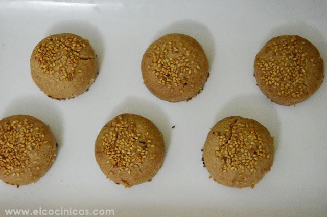 Mantecados de canela y ajonjolí