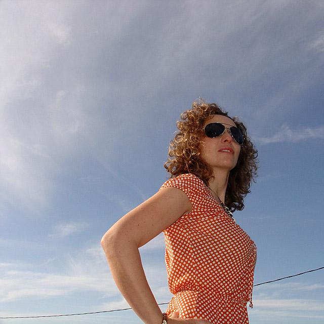 Vestido vintage de lunares. Polka dot dress. Visit www.forarealwoman.com  #moda #fashion #blogger