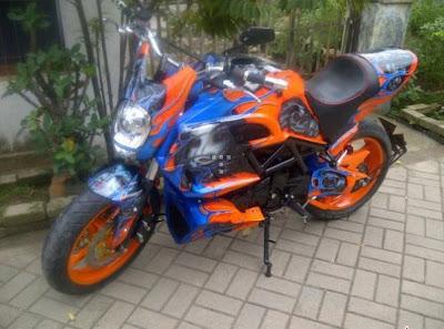Yamaha Byson ala Ducati Diavel