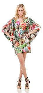 Ist kurz geblümten Kleid Trend für 2013