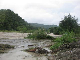 Un muerto, dos personas desaparecidas, comunidades incomunicadas y cientos de viviendas inundadas