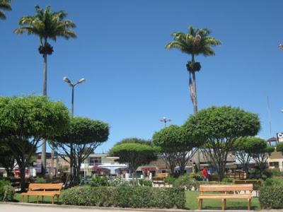 Plaza de Armas de Rioja, Perú
