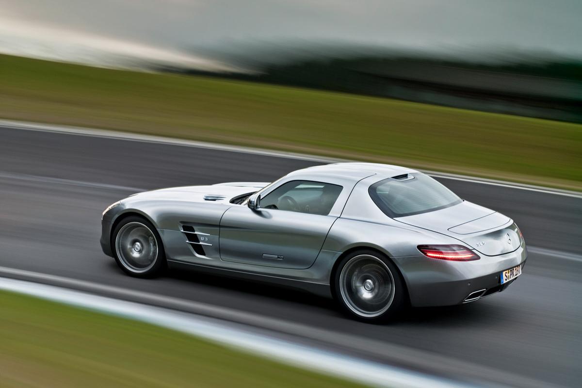 http://1.bp.blogspot.com/-N4syHeHK_Gc/TrEjkIMO8sI/AAAAAAAAFhg/jZz8ZhhG37I/s1600/Mercedes+SLS+AMG+4.jpg