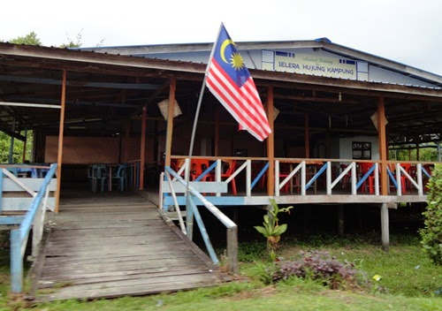 Tempat makan Selera Hujung Kampung Oya, kedai makan Oya Sarawak, hidangan masakan Oya, tempat makan murah di Oya