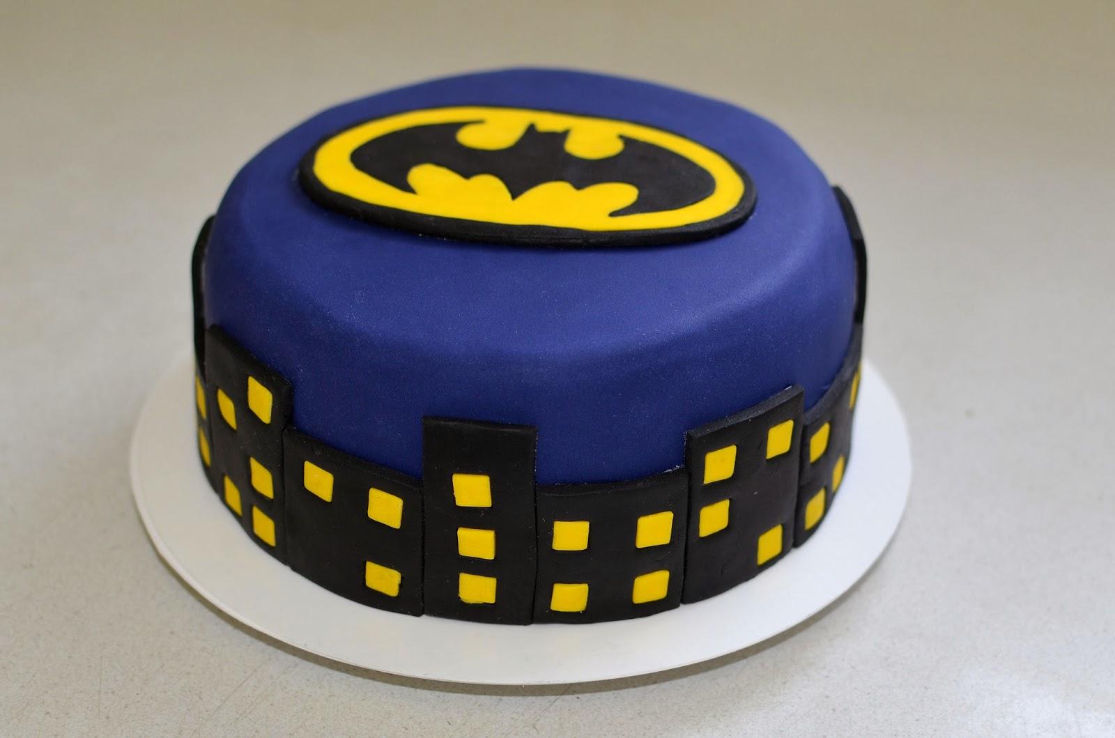 Barbara\'s Backstube: Batman Torte (Baileyskuchen mit zweierlei ...