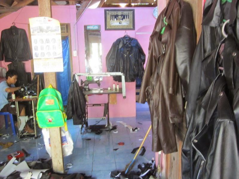 Rahayu leather memproduksi jaket kulit dewasa f491805b3f