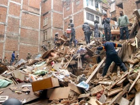 Dua beradik yang gagal dikesan selepas gempa bumi di Nepal akhirnya selamat tiba di tanah air