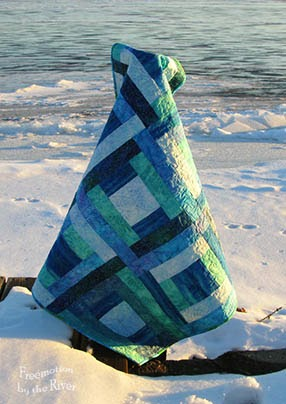 blue batik quilt by the river at Freemotion by the River