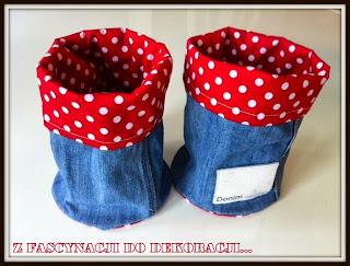http://otaczacsiepieknem.blogspot.com/2013/01/co-mozna-zrobic-ze-starych-jeansow.html