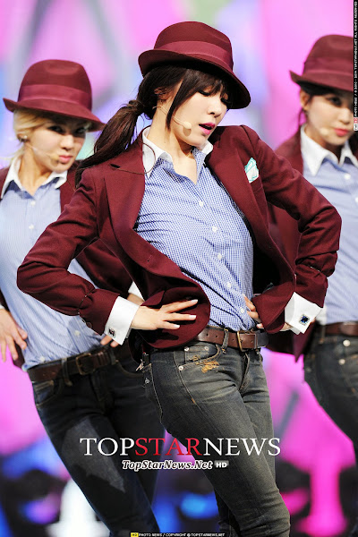 SNSD Tiffany Mr Mr Live MTV The Show