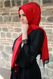 Wanita Cantik Berjilbab