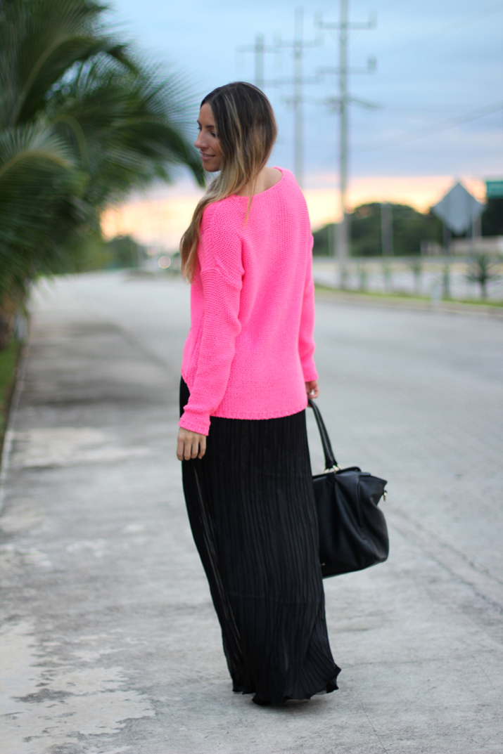 Look with maxi skirt