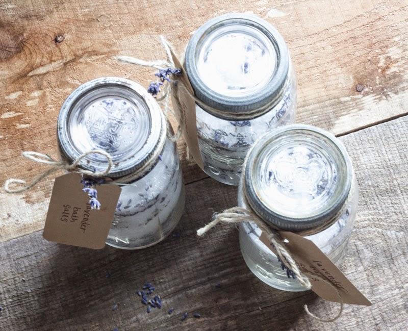 DIY gift under $10; homemade natural bath salts,