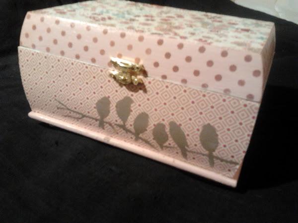Caja de madera aprender manualidades es - Cajas infantiles decoradas ...